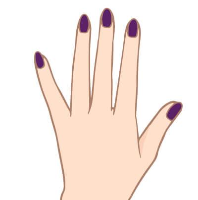 黒い紫の爪